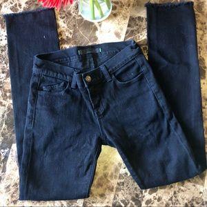 J Brand 9512 Noir Raw Hem Skinny Jean
